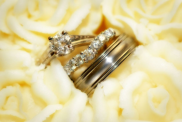 Journalistic photo of wedding rings captured after the ceremony
